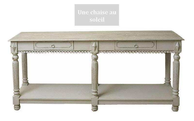 Une Chaise Au Soleil Table de drapier Tables de repas Tables & divers  |