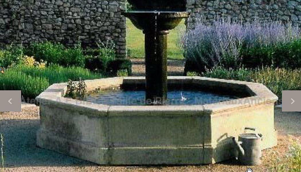 Atelier Alain Bidal Fontaine centrale d'extérieur Fontaines Jardin Bacs Pots  |