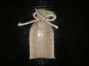 Pochette avec cordon