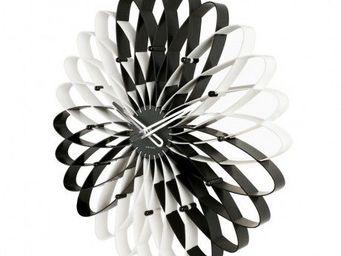 Karlsson Clocks - karlsson - horloge spirograph - karlsson - blanc e - Horloge Murale