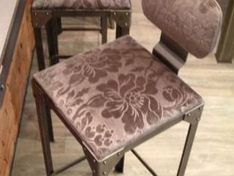 GHISLAIN ANTIQUES - garniture en tissu - Chaise Haute De Bar