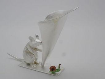 Aline Kokinopoulos - la souris,l'arum et le petit escargot - Vase � Fleurs