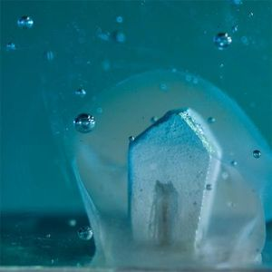 LUIS PARADES -  - Sculpture
