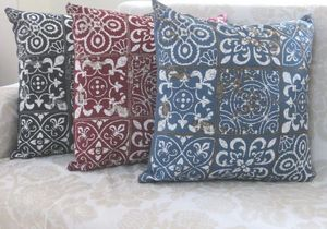 ITI  - Indian Textile Innovation - flower - Coussin Carr�