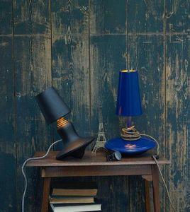 LABEL/BREED -  cast metal lamp / low - Lampe À Poser