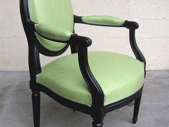 Englers - fauteuil médaillon mouluré - Fauteuil Médaillon