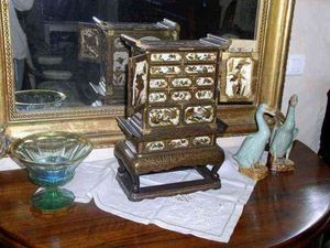 Antiquités FAUROUX - cabinet miniature shibayama - Cabinet