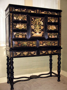 FOSTER-GWIN - scagliola cabinet on stand - Cabinet