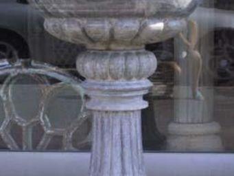 La Farfouille - paire de bénitiers en marbre - Bénitier