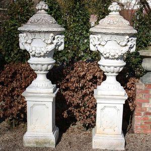 GARDEN ART PLUS - lidded urns - Urne De Jardin