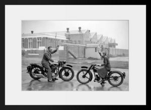 PHOTOBAY - a man and a girl on excelsior motorcycles - Photographie
