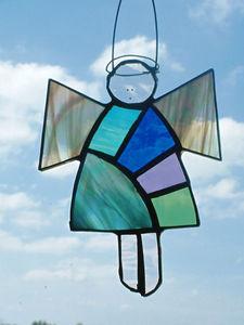 Karen Davies Stained Glass - patchwork angel - Vitrail