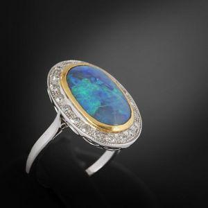 Expertissim - bague en or ornée d'une opale et de diamants - Bague