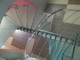 TRESCALINI - spiro : escalier colima�on inox et verre d�poli - Escalier H�lico�dal