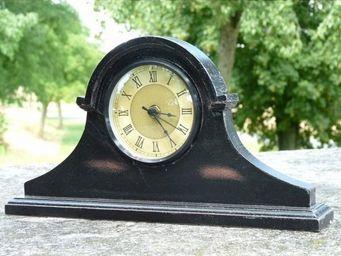 L HERITIER DU TEMPS - pendule chapeau de gendarme - Horloge � Poser