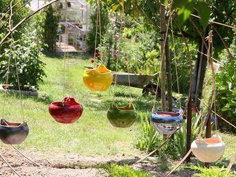 Les Poteries Clair de Terre - m�tis - Jardini�re Suspendue
