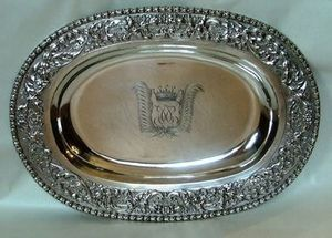 ALASTAIR DICKENSON - a highly important and rare charles ii oval dish - Plat De Pr�sentation