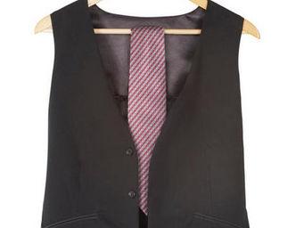Umbra - range bijoux de voyage veste noire 76.2x50cm - Porte Bijoux
