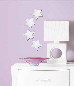 RoomMates - 4 stickers miroirs etoiles 14x14cm - Sticker Décor Adhésif Enfant