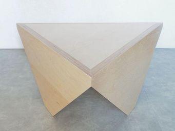 MALHERBE EDITION - table basse triangle t3 - Table Basse Forme Originale