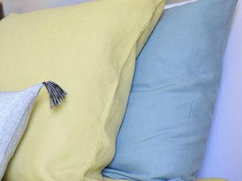 MAISON D'ETE - taie d'oreiller en lin lavé jaune de lima - Taie D'oreiller
