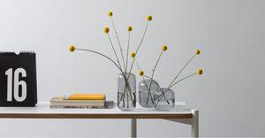 MADE -  - Vase À Fleurs