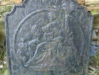 Bechu Materiaux Anciens -  - Plaque De Cheminée