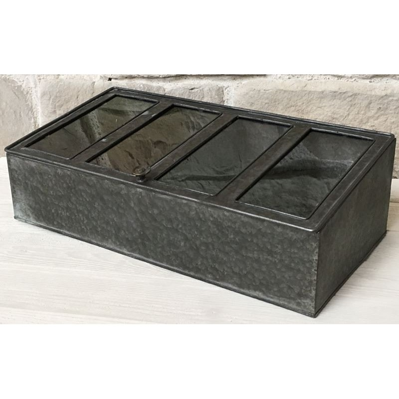 grande bo te de rangement couvert en zinc range. Black Bedroom Furniture Sets. Home Design Ideas