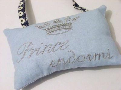 La petite Lucienne - Coussin de porte-La petite Lucienne-Prince et princesse endormie