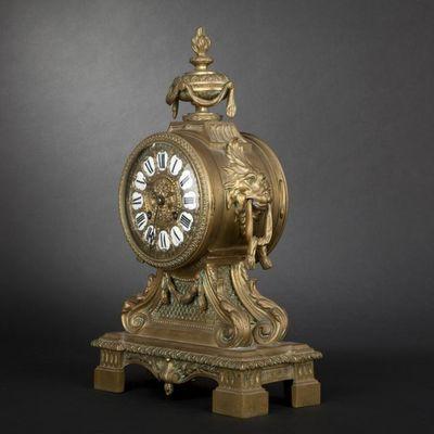 Expertissim - Pendule Cartel-Expertissim-Pendule en bronze de style Louis XVI