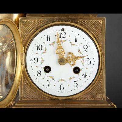 Expertissim - Horloge à poser-Expertissim-Pendule en bronze doré de style Louis XVI