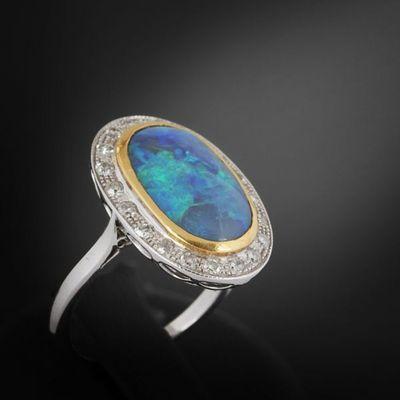 Expertissim - Bague-Expertissim-Bague en or ornée d'une opale et de diamants