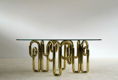 FURNITURE-LOVE.COM - Table de repas rectangulaire-FURNITURE-LOVE.COM-Tubular sculptural brass dinning table