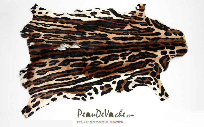 PEAUDEVACHE.COM Animal skin rug Animal skins Carpets Rugs Tapestries  |