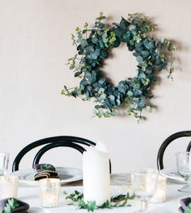 Graham & Green - eucalyptus givrée - Flower Wreath