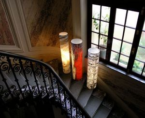 Illuminated column