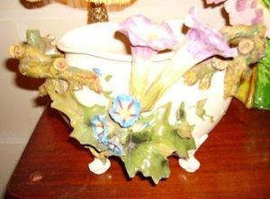 Art & Antiques - vase en barbotine - Decorative Vase