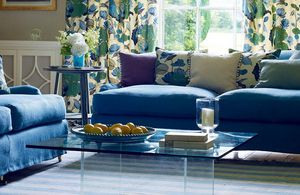 GP & J BAKER -  - Furniture Fabric