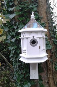 Wildlife world - white gothic - Birdhouse
