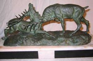 AUX MAINS DE BRONZE - combat de cerfs - Animal Sculpture
