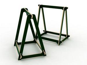 ESTAMPILLE 52 -  - Trestle Table