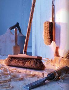 Redecker -  - Broom