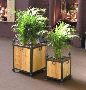 Lanternes d'autrefois  Vintage lanterns - bac à plantes en fer forgé et acacia imputrescibl - Flower Box
