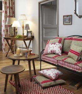 Comptoir De Famille -  - Living Room