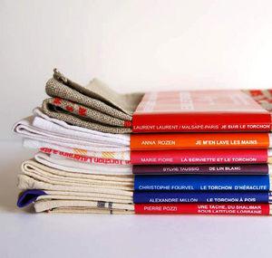 STÉPHANIE RADENAC - littéraires - Tea Towel