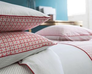 BLANC CERISE - douce geometrie - Pillowcase