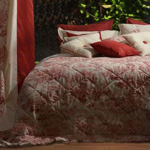 DOUCEUR DE FRANCE -  - Bedspread