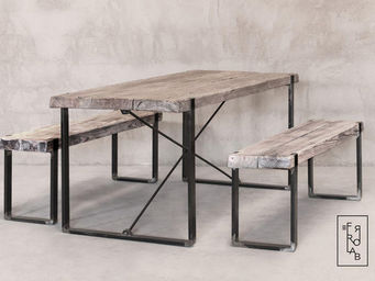 FERROLAB -  - Picnic Table