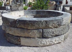 LES MEMOIRES D ADRIEN Alain Edouard Bidal - bassin ancien en pierre - Garden Pond