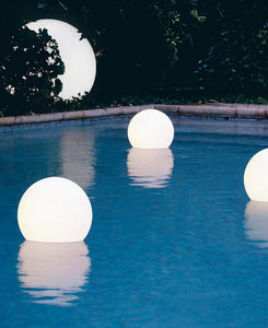 SLIDE Design - acquaglobo - Floating Lantern